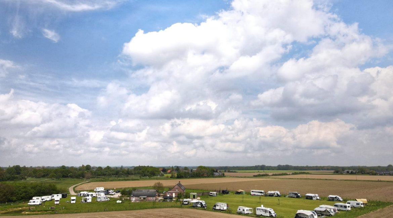 Kom genieten van het prachtige Land van Cuijk, Maasheggengebied op onze camping, camperplaats of in een van onze huisjes.